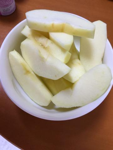 剥いたりんご