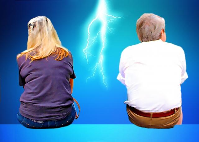 退職後喧嘩している夫婦のイメージ