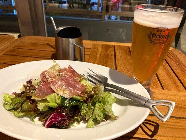 THIRD石垣島の生ハムサラダとビール