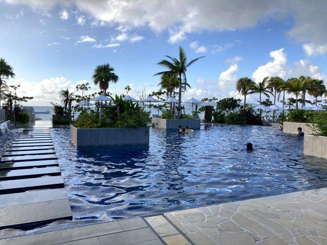 フサキビーチリゾートのプール